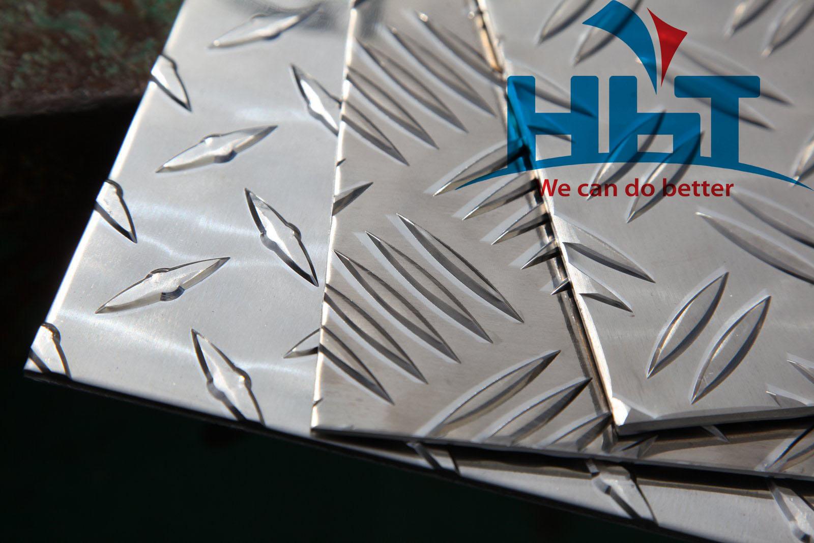 Bán nhôm gân chống trượt HHT uy tín tại TPHCM